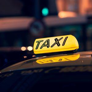 מונית שבעה מקומות בפתח תקווה